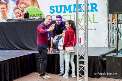 DJ Hugo en fans Summerfestival-Stadshart-Zoetermeer-Patricia-Munster-003