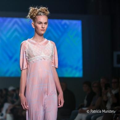 Elke-van-Zuylen-NONOCAKE-Mercedes-Benz-FashionWeek-Amsterdam-Patricia-Munster-017