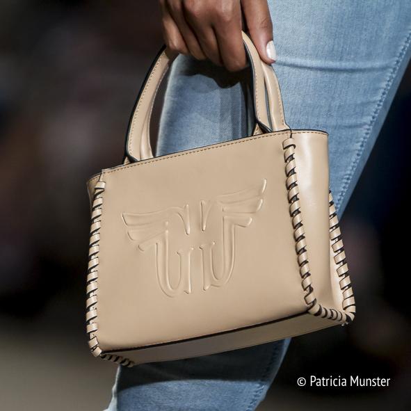 Given-handbag-FashionWeek-Amsterdam-Patricia-Munster-001