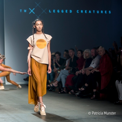 Two-legged-creatures-FashionWeek-Amsterdam-Patricia-Munster-004