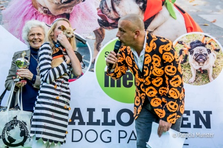 halloween-dog-parade-zoetermeer-jeroen-smits-dierenparadijs-child-award-winner-patricia-munster-1