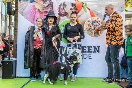 halloween-dog-parade-zoetermeer-martine-oun-thuisdieren-dierenparadijs-family-award-winner-patricia-munster-1