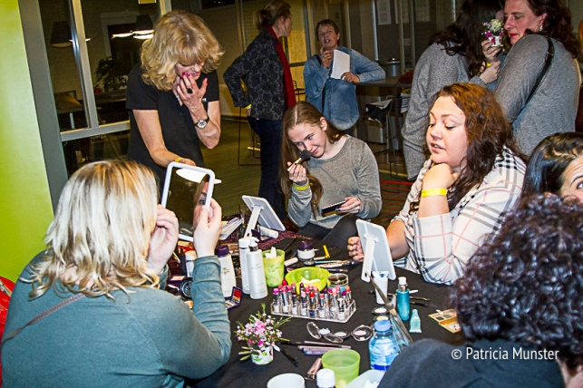 Make-up-workshop-Vrouwendag-Zoetermeer-Fotograaf-Patricia-Munster-003