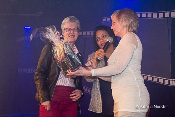 Maureen-Smit-Juliette-Meurs-uitreiking-prijs-Stichting-Daily-Diva-Vrouwendag-Zoetermeer-Fotograaf-Patricia-Munster-002