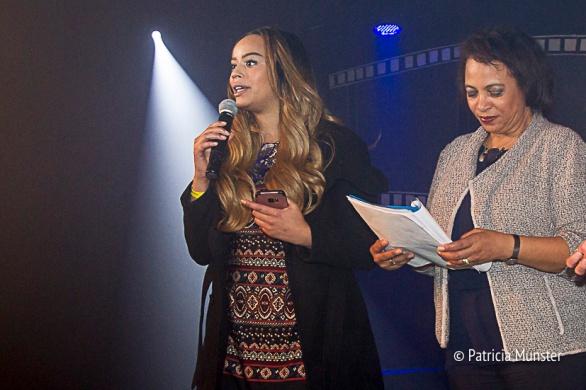 uitreiking-prijs-Stichting-Daily-Diva-Vrouwendag-Zoetermeer-Fotograaf-Patricia-Munster-001