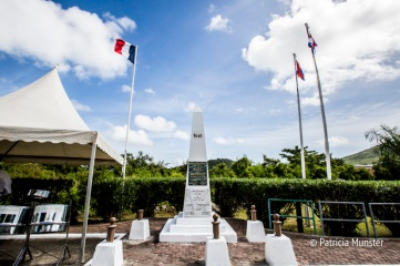 Border monument in Saint Martin