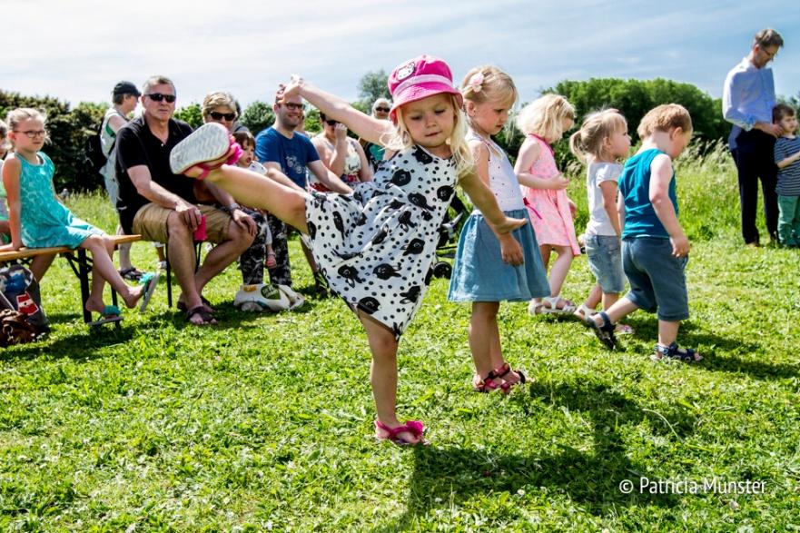 Dansende kinderen op Westerparkdag 2017