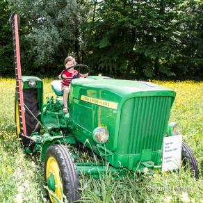 Op een tractor!