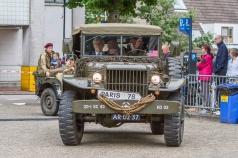 Burgemeester Aptroot komt aan op het Veteranenplein in Zoetermeer