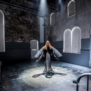 Barbara Langendijk ft. Noon Passama at FashionWeek Amsterdam - a theatrical performance