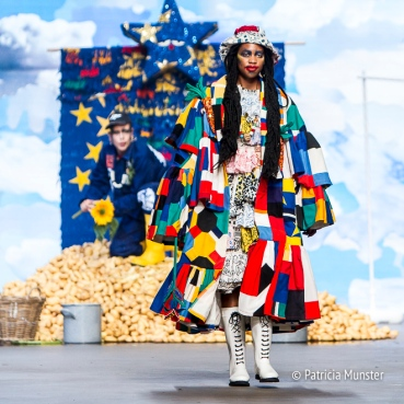 Bas Kosters 'My paper crown' at Amsterdam Fashion Week SS18