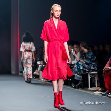 Rode jurk bij Merel van Glabbeek at Amsterdam Fashion Week