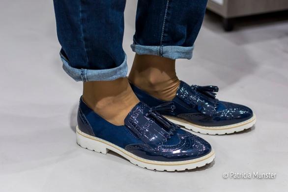 De athleisure look compleet met schoenen van Van Haren