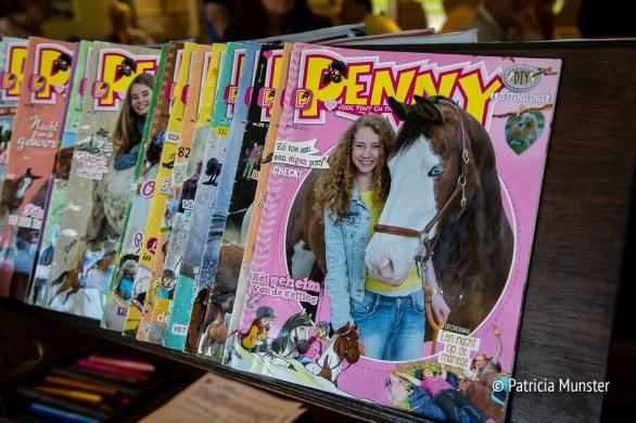 Meisjes en paarden daar is ook een tijdschrift voor Penny!