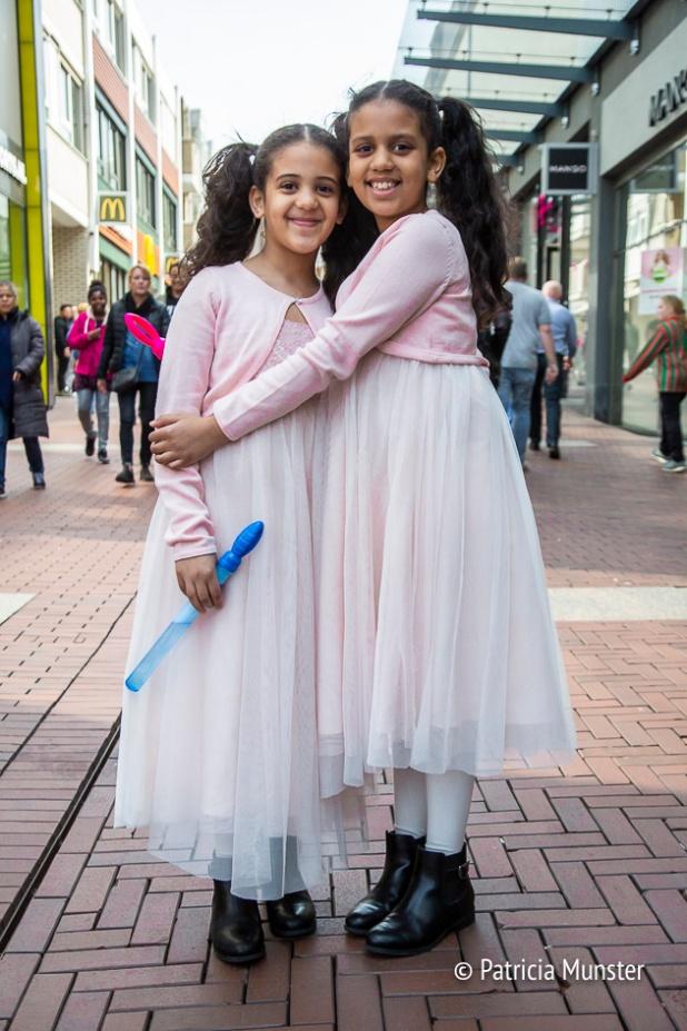 Roze tule jurkjes gespot! Nog twee schattige meisjes!