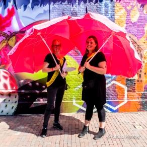 De parasoldames!