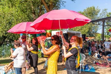 Handig die lopende parasols!