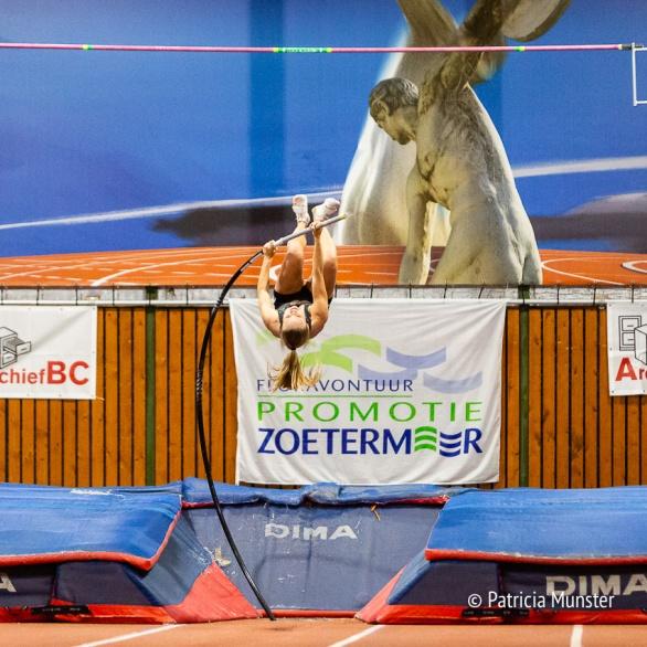 Polsstokhoogspringen bij Ilion in Zoetermeer